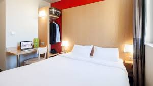 chambre commerce bobigny b b hôtel est bobigny hôtel 2 hrs étoiles