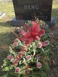 cemetery decorations best 25 grave decorations ideas on cemetery