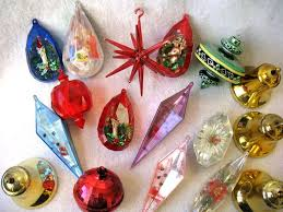 luxurious and splendid plastic ornaments that open to