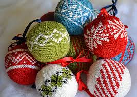 knit tree balls great for friends with kiddos