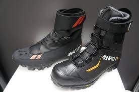 bike riding boots 45nrth keeps pedaling with redesigned wölvhammer winter boots