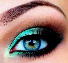 makeup for blue green eyes this makes me want the accent color eyeshadow in my