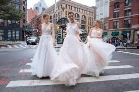 Bridal Fashion Week Wedding Dress by Stunning Wedding Dress Trends Everyone U0027s Talking About For 2018