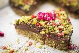 clean eating raw chocolate pistachio cake recipe hedi hearts