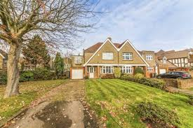 One Bedroom Flat For Sale In Hounslow Property For Sale In Isleworth London Dexters Estate Agents