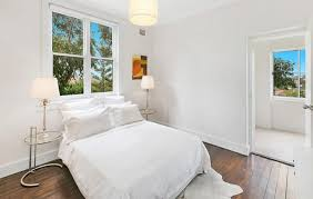 how to make a small bedroom look bigger officialkod com