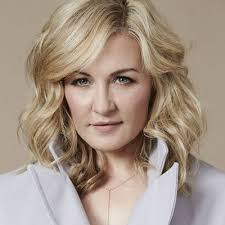 amy carlson hairstyles on blue bloods amy carlson theamycarlson twitter