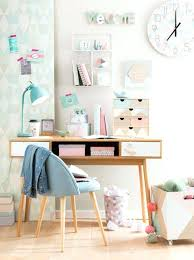 description d une chambre de fille bureau chambre ado trendy zoom with bureau ado with bureau ado