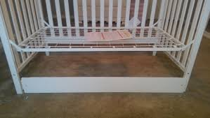 Convertible Crib Instructions by Chip U0027s Reviews Delta Children U0027madrid U0027 4 In 1 Crib Review