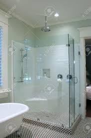 White Bathroom Tile Ideas Pictures by Modern White Bathroom Tile With Ideas Image 35737 Kaajmaaja
