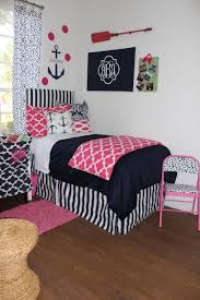Gray And Pink Bedroom by Best 25 Pink Dorm Rooms Ideas On Pinterest College Dorm Lights