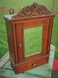Bathroom Medicine Cabinet Mirror by Best 25 Antique Medicine Cabinet Ideas Only On Pinterest Rustic
