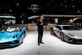 lamborghini aventador s roadster pops its top in frankfurt