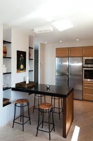 cuisine avec table haute modele table bar cuisine idée de modèle de cuisine