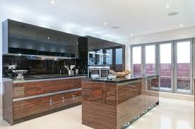 cuisine bois et blanc laqué cuisines cuisine et blanc laquee decoration metal macassar