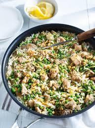 cuisiner vermicelle de riz riz aux vermicelles au poulet et aux petits pois ricardo