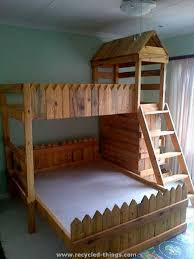 Making Wooden Bunk Beds by Best 25 Pallet Toddler Bed Ideas On Pinterest Kids Pallet Bed