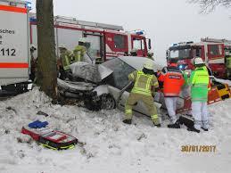 Bad Pyrmont Feuerwehr Sichert Abrutschendes Fahrzeug Feuerwehr