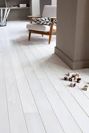 parquet blanc chambre peindre parquet en blanc 9 un badigeon pour peint au naturel