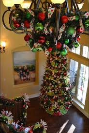 Decorating With Chandeliers 17 Gorgeous Christmas Chandeliers For A Yuletide Home Decor