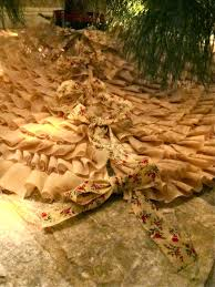 saleena diy ruffled christmas tree skirt