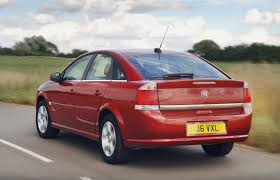 vauxhall vectra hatchback review 2005 2008 parkers