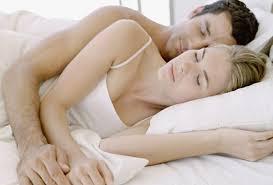 come si dorme bene qui come proteggere la schiena mentre si dorme