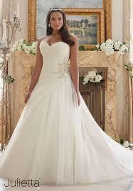wedding dresses for best 25 curvy wedding dresses ideas on plus size
