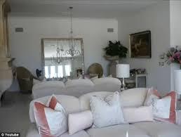 Lisa Vanderpump Interior Design Real Housewives Of Beverly Hills Star Lisa Vanderpump Sells Her