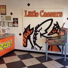 round table west sac little caesars 19 photos 35 reviews pizza 825 jefferson blvd