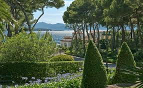 secrets of the hôtel du cap eden roc during cannes film festival