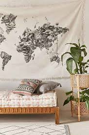 Travel Bedroom Decor by 57 Best Decor Images On Pinterest Holiday Gifts Travel