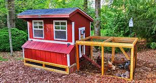 different houses of chicken with easy backyard chicken coop plans