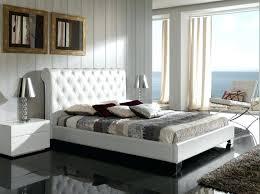 chambre avec lit noir faire chambre avec tate de lit miroir faire chambre de luxe en noir