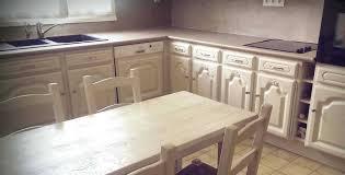 r駸ine meuble cuisine peinture meuble bois gallery of resine 2018 avec peindre un en