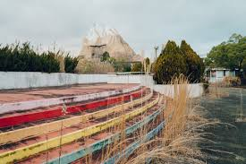 japan nara dreamland abandoned theme park u2014 wrenee