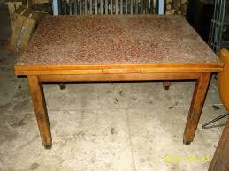table de cuisine ancienne site de troc une table de cuisine ancienne avec rallonges et une
