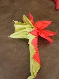 Pliage De Serviette En Papier 2 Couleurs Papillon by Pliage De Serviette En Papier En Fleur