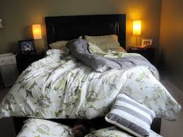 Make Your Bed Like A Hotel How To Make Your Bed Like They Do In The Hotels Catz At Home
