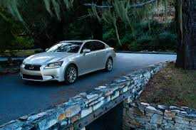lexus gs vs bmw f10 my13 lexus gs completely uncovered f10 has nothing to worry about
