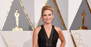 how to cut your hair like amy robach roberto coinvoice the stylist behind good morning america s amy