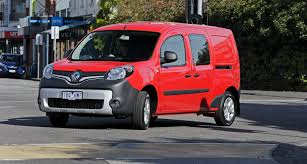 renault kangoo 2016 renault kangoo pricing and specifications five seat maxi crew