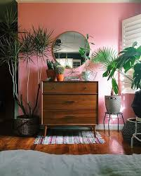 How To Decorate A Bedroom With Green Walls Best 25 Pink Walls Ideas On Pinterest Kitchen Walls Pink