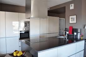 cuisine facade verre cuisine et salle de bain côté sud cuisiniste perpignan 6600