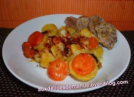 cuisiner un filet mignon de porc en cocotte filet mignon de porc aux pommes de terre carottes et gorgonzola