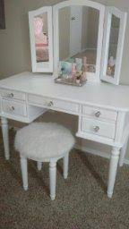 Bobkona St Croix Collection Vanity Set With Stool White My Bobkona St Croix Collection Vanity Set Stool White Review