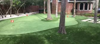 Putting Turf In Backyard Artificial Putting Greens U0026 Synthetic Lawns In Milwaukee