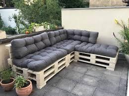 fabriquer canapé d angle en palette 1001 idées pour créer un beau salon de jardin en palette
