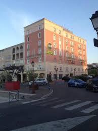 chambres d hotes martigues vue de l hotel depuis les quais du port photo de b b hôtel