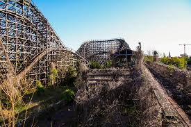abandoned amazing images of japan u0027s abandoned nara dreamland amusement park